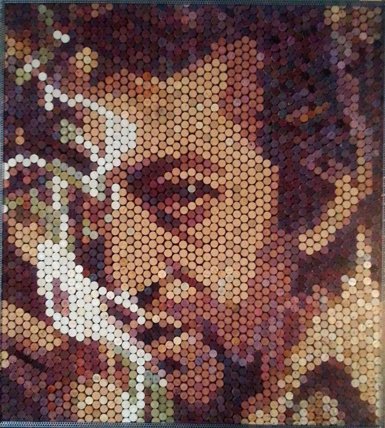 Gainsbourg réalisé par le frangin avec des bouchons  de vin, usagés, en liège  (environ 2500 bouchons)