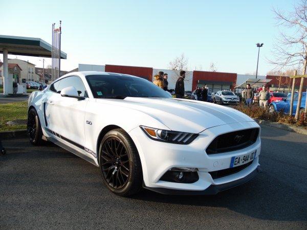FORD MUSTANG 5.0 V8 GT (2016)