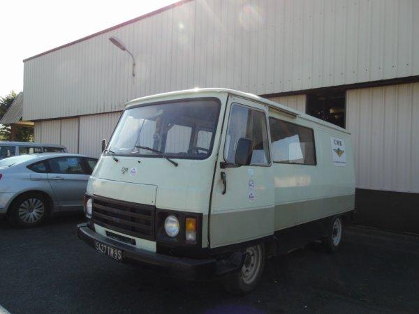 PEUGEOT J9 (1981-1991)  Fête de l'Aérodrome de Persan-Beaumont 2017