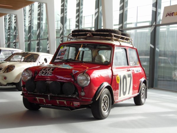 MINI COOPER S  GB MK1 (1967)  RETROMOBILE 2019 (PARIS)