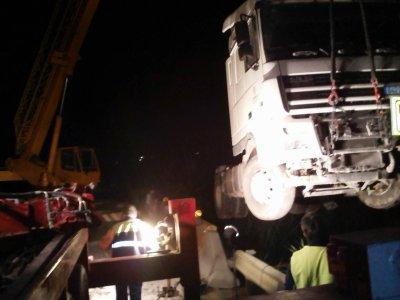 ACCIDENTE GRAVE ENTRE TRAILER Y TURISMO.....