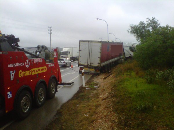 ACCIDENT TRAILER N-340 ARC DE BARÁ  05-03-2013