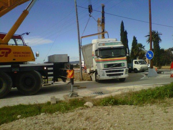 TRAILER ATASCADO EN CAMINO EN N-340 KM 1197 - GORNAL (BCN)