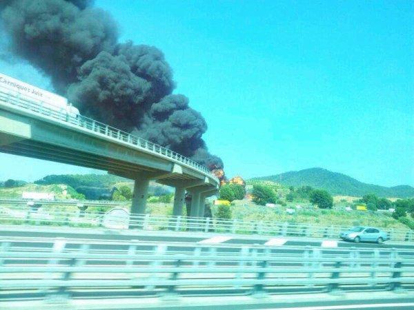 Trailer quemado en AP2 en Papiol-BCN  24-07-2013