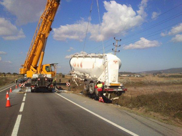 RESCATE DE TRAILER BAJO LINEA ELECTRICA 12.000V N-340 KM 1200 12-03-2014