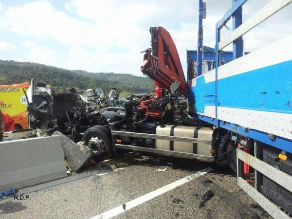 ACCIDENTE MORTAL EN A-2 ARGENÇOLA     28-03-14