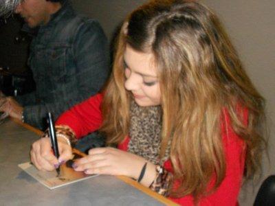 Caroline à Radio Axe Sud le 17 Février 2012..