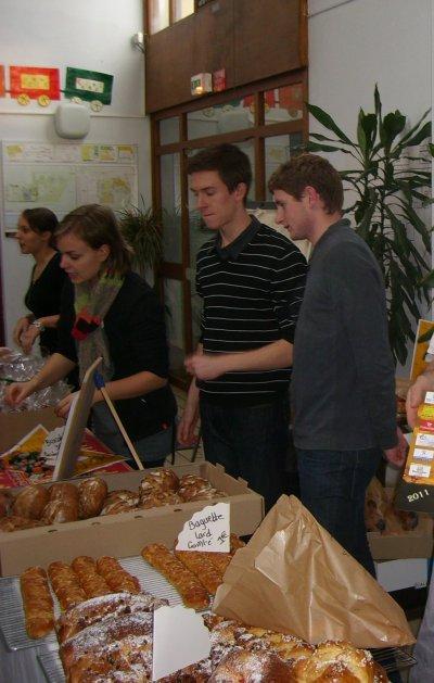 Jeudi 2 décembre au CFA : Vente de pains , pains d'épices au profit d'une association humanitaire