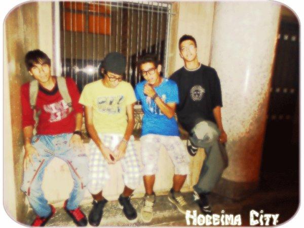 Me Avec Mes Amis (Hoceimà City)