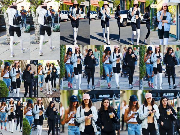 18/02/16 - La belle Bella Hadid et deux de ses amies quittaient un café - dans les environs de West Hollywood ![/s#00000ize]La mannequin portait une casquette en suède rose de VIANEL ainsi qu'une paire de leggings noir et blanc de Alo Yoga. Je n'aime pas vraiment ceux-ci.[/alig fen]