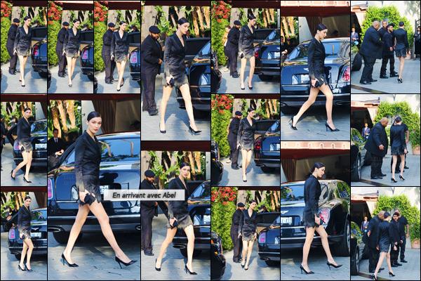 20/03/16 - Bella Hadid et Abel Tesfaye étaient présents lors du « Fashion LA Awards » à Los Angeles, en CA[/s#00000ize]Non pas seulement accompagnée du chanteur The Weeknd, la belle mannequin était aussi entourée de toute sa famille. Un top pour miss B. Hadid ![/alig fen]