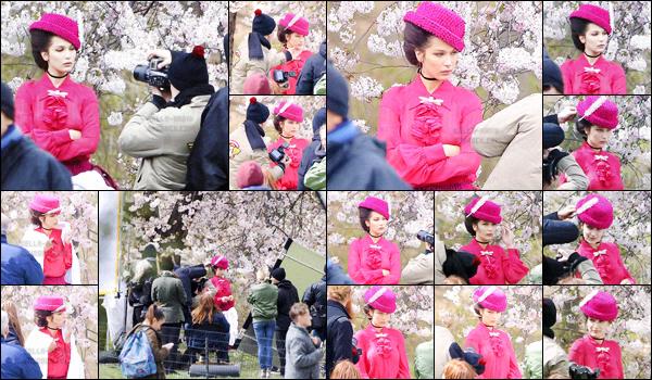 08.04.16 ─ Miss Bella  a été repérée en plein shooting photo  à Central Park, un espace vert situé à New-York City.[/s#00000ize]Aucune information concernant ce shooting qui reste top secret pour le moment... Alors, est-ce que vous avez hâte de voir tous les clichés du shoot ?[/alig fen]