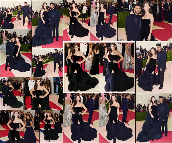 - 02/05/16 - Bella Hadid assistait au Met Gala « Manus x Machina : Fashion In Age » au Metropolitan Museum.Bella Hadid était vêtue de la marque Givenchy pour poser sur le tapis rouge. Elle a également posée avec son petit ami le chanteur The Weeknd ! Avis ?-