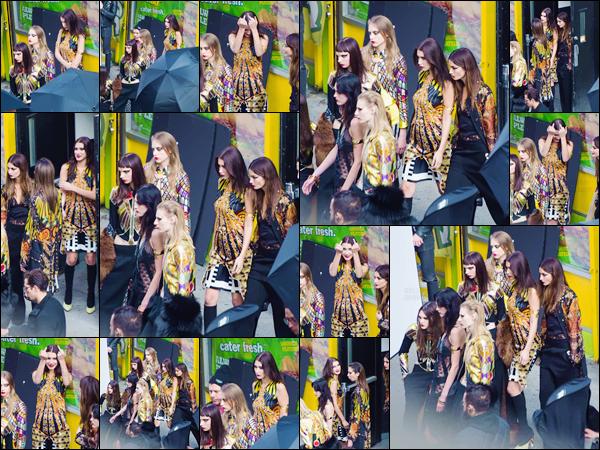 - 07/05/16 - Bella Hadid a été photographiée sur le set du photoshoot pour « Givenchy » dans New-York City.La mannequin été accompagnée de Lily Aldridge, pour réaliser un photoshoot pour la marque Givenchy... Elle n'est pas très ravie de voir les paparazzis. -