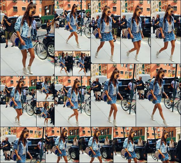 - 12.09.16'─'Bella Hadid a été vue en arrivant à l'appartement de sa grande s½ur Gigi Hadid, à New-York City '![/s#00000ize]Après un très court séjour à Londres puis Paris - où elle est passée inaperçue sous la radar des paps - Bella serait à New-York pour la fashion-week.  -