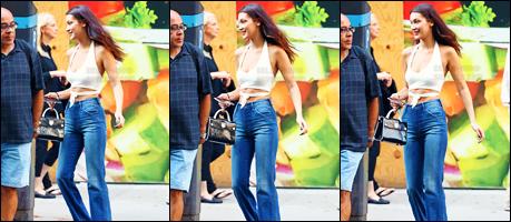 - 13.09.16'─'Bella Hadid se rendait à une séance d'essayage pour « Ralph Lauren » dans la ville de New-York ![/s#00000ize]C'est la Fashion-Week à New-York et les sorties de la belle brune s'enchaîne - et ce n'est vraiment pas pour nous déplaire ! C'est un top ou un flop ?  -