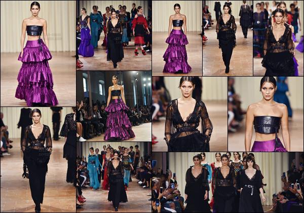 - 21.09.16'─'Bella Hadid défilait pour la marque de la créatrice « Alberta Ferretti » à la Fashion-Week de Milan ![/s#00000ize]À l'occasion de ce défilé de haute couture en Italie, notre jolie brune a défilé dans deux tenues différentes : longue jupe violette et une tenue noire ... -