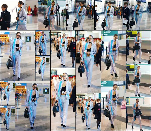 - 25.09.16'─'La mannequin Bella Hadid arrivait à l'aéroport international de « Malpensa » dans la belle ville Milan ![/s#00000ize]Bella Hadid partirait-elle en direction de la France, plus précisément pour Paris, en raison de la fin de la Fashion-Week ?! Il faut supposer que c'est le cas. -
