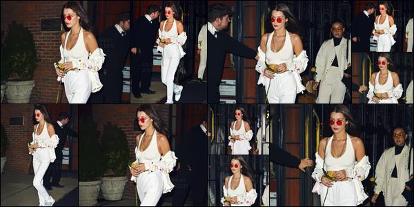 - 15.10.16'─'Isabella Hadid quittait l'hôtel nommé « The Bowery » se trouvant dans la grande ville de New-York ![/s#00000ize]Toujours dans la même journée, miss Bella Hadid a été photographiée avec une rose à la main, en se promenant dans les rues de la ville de New-York. -