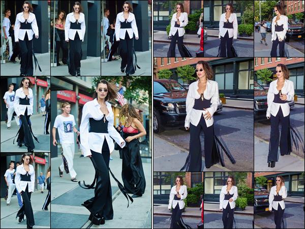 - ''12.06.17'-''─''Étant de retour, Isabella Hadid quittait son appartement, situé dans le quartier de Manhattan ![/s#00000ize]La jeune mannequin aborde une tenue digne d'une fashionista pour cette sortie en ville, puis qui sort un peu de l'ordinaire : un franc succès pour Bella... -