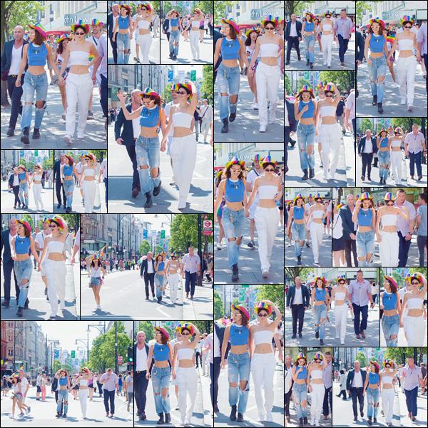 - ''08.07.17'-''─''Main dans la main avec Kendall Jenner, notre Bella Hadid était présente à la « London Pride » ![/s#00000ize]Chapeaux à l'effigie du drapeau de la communauté LGBT sur la tête, les deux mannequins, accompagnées de leur cortège déambulaient dans Londres ...  -