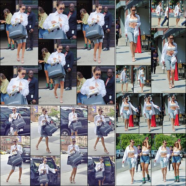 - -'20.07.17'-''─''Bella H. quittait la boutique « Chrome Hearts » pour retourner à son appartement à Manhattan.[/s#00000ize]Changement de haut pour Bella qui a préféré opter pour une brassière dans son instant de shopping. Elle a aussi été aperçue dans les rues de New York. -