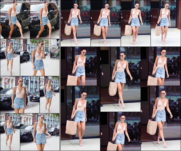 - '-28/08/17-'''✈''Bella Hadid quittait son appartement pour se rendre chez sa grande s½ur Gigi H. à Manhattan. Bella H. ne change pas ses bonnes vieilles habitude et rend visite à sa s½ur qui vit elle aussi dans le quartier de Manhattan ! Je lui accorde un beau top.-