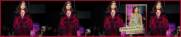 '- '-◊-12/02/18-' : Bella Hadid défilait pour la marque « Ralph Lauren » pour la Fashion-Week 2018 de New York. Par la suite, Bella Hadid a été photographiée alors qu'elle se trouvait à New York, sûrement en quittant les lieux du défilé de Ralph Lauren. Un petit top !-