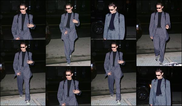 '- '-◊-15/02/18-' : Bella Hadid a été photographiée alors qu'elle se trouvait dans les rues de la ville de New York. La Fashion-Week de New York s'achève très bientôt et Bella Hadid risque de s'envoler pour la prochaine semaine de la mode qui se déroulera à Londres.-