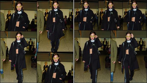 '- '-◊-19/02/18-' : Bella Hadid arrivait dans l'aéroport international de « Heathrow » dans la capitale de Londres. Bella Hadid sera donc de la partie lors de la Fashion-Week de Londres, qui se poursuivra à Milan en Italie et ensuite à Paris en France, au début de mars.-