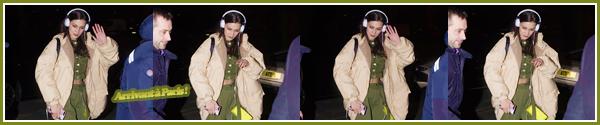 '- '--25/02/18-' • Bella Hadid arrivait à l'aéroport international de « Malpensa » qui se trouve à Milan, en Italie. Tout comme sa s½ur Gigi Hadid, Bella s'est rendue à l'aéroport ce qui marque la fin de la Fashion-Week de Milan pour elle, mais sera présente à Paris !-