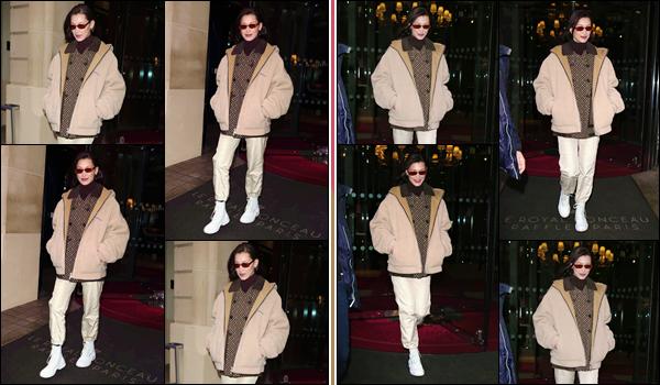'- ''-04/03/18-' • Bella Hadid quittait son hôtel français « Le Royal Monceau », se trouvant dans la ville de Paris. À nouveau, Bella Hadid a été photographiée alors qu'elle quittait son lieu de résidence dans la capitale française... J'accorde un petit bof !-
