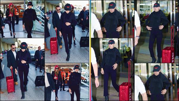 - ''•-04/05/18-' : Bella Hadid arrivait à l'aéroport international de « Charles de Gaulle » situé dans la ville de Paris. Les deux Hadid disent au revoir à la France, sûrement en prévision d'une prochaine apparition au « MET Gala » qui se tiendra à New York. -