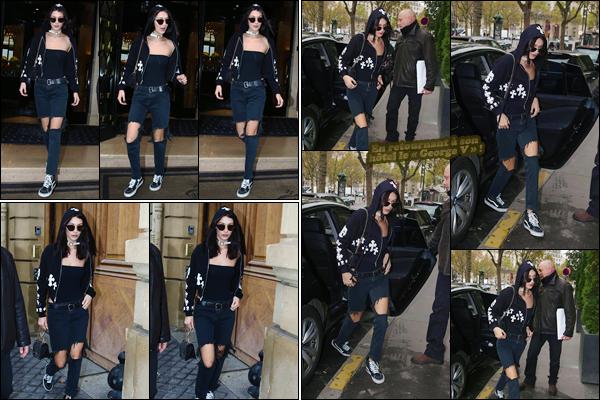 '- '-◊-29/10/16-' : Bella Hadid quittait son hôtel parisien le « George V » se trouvant dans la ville de Paris, France. La brunette a été photographiée dans les rues de la capitale française, pour ensuite retourner à son hôtel de résidence temporaire. J'accorde un petit top.-
