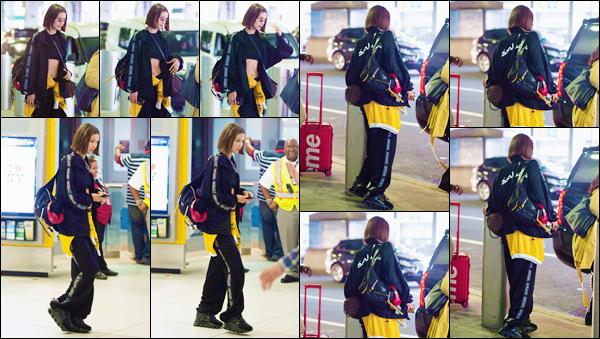 - ''•-24/06/18-' : Bella Hadid a été photographiée à son arrivée à l'aéroport de « JFK » dans la ville de New York. Après avoir passé quelques jours à Paris à l'occasion de la semaine de la mode pour les hommes, la brunette est de retour sur le sol de la Grosse Pomme. -