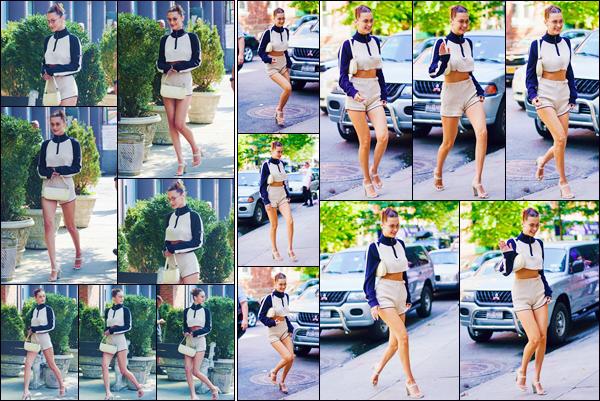 - ''•-05/09/18-' : Bella Hadid a été photographiée alors qu'elle se trouvait dans les rues de la ville de New York. Le mois de la mode est sur le point de commencer et notre jolie mannequin brune déambule dans les rues de la Grosse Pomme. J'accorde un petit top ! -