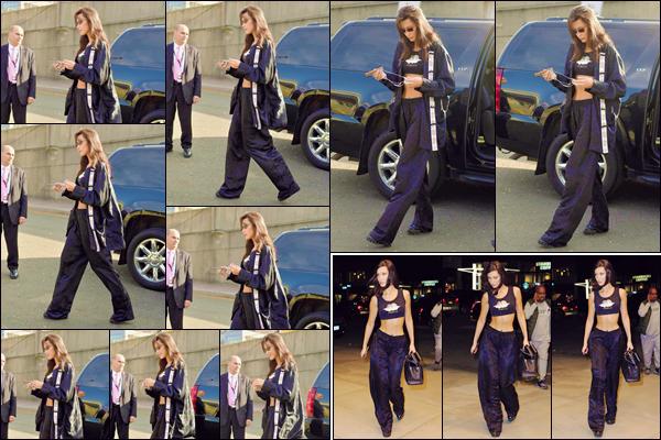 - '-• 08/11/18-''─ Bella Hadid arrivait sur les lieux du défilé : « Victoria's Secret Fashion Show 2018 », dans NY. Bella a ensuite été photographiée en quittant le défilé, allant se préparer pour l'after-party de l'événement avec son copain The Weeknd. -