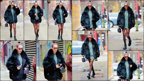 - ''•-20/11/16-' : Bella Hadid a été photographiée alors qu'elle se baladait dans les rues de la ville de New York. Dans une tenue au style à influence grunge, notre belle mannequin déambulait dans les rues de la ville de New York. C'est un gros top ! -