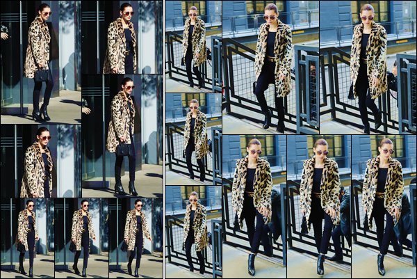 - ''•-18/11/16-' : Bella Hadid quittait à nouveau son appartement, situé dans le quartier de Manhattan dans NY. Munie d'un manteau à motif de pelage léopard, et d'une ceinture de la marque « Moschino », Bella se trouvait dans New York. Un top ! -