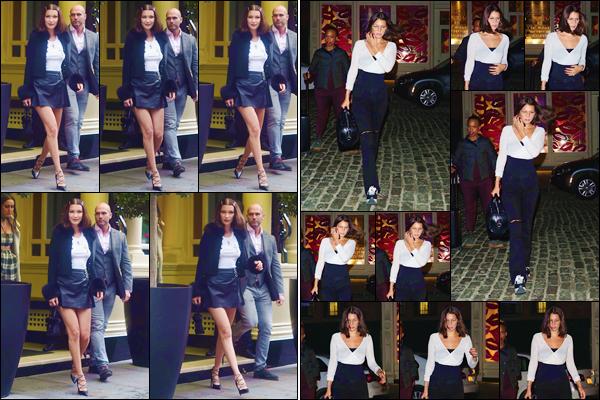 - ''•-12/05/17-' : Bella Hadid quittait son hôtel, qui se trouve situé dans la ville de Londres, encore en Angleterre. En soirée, elle a été photographiée en quittant un restaurant en compagnie d'une de ses amies. Deux gros tops, pour ses tenues portées ! -