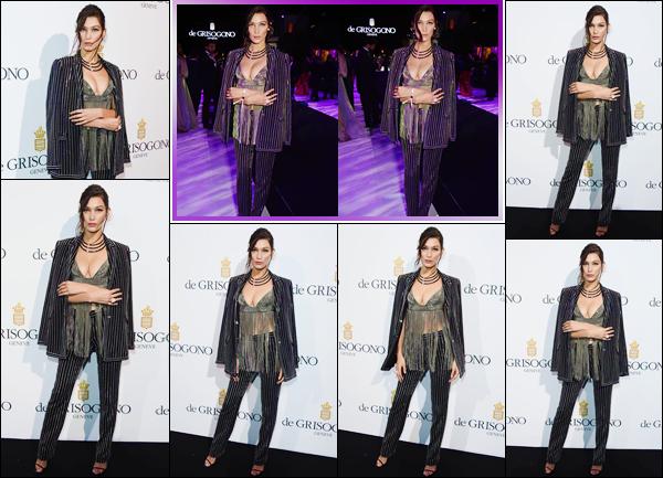 - ''•-17/05/16-' : Bella Hadid était à la soirée de « De Grisogono », se déroulant alors du 69th Festival de Cannes. En compagnie de Kim Kardashian, avec qui elle a posé lors de la soirée, Bella nous dévoile ses beaux attributs féminins. C'est un joli top ! -