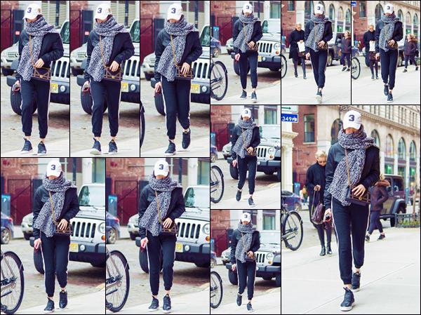 - '-• 28/01/17-''─ Bella Hadid se rendait à son appartement avec sa maman Yolanda Hadid, situé à Manhattan. Bien emmitouflée face au froid du mois de janiver, nous retrouvons une Bella Hadid qui arborait une tenue des plus décontractées. Bof ! -