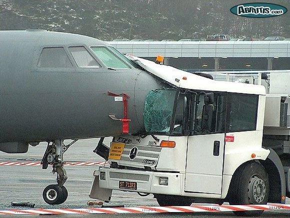 on a dit de prendre l'avion, puis le bus.....mais pas en même temps