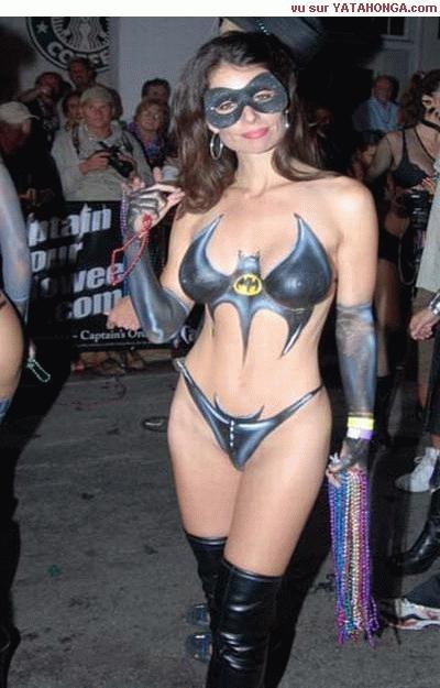 vive les super héros et surtout Batwoman ...........