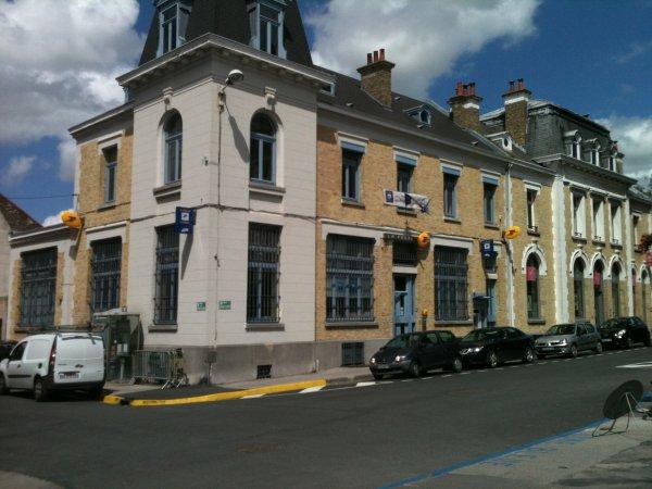 petit détour par Bergues célèbre grâce au film de Dany Boon ( très belle ville d'ailleurs )