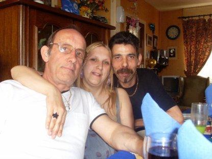 moi et les deux homme de ma vie mon papa et mon petit homme je vous adores