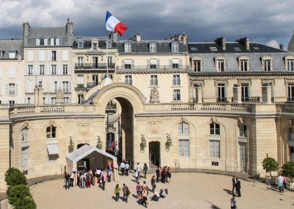 Photo de la cour du Palais de L'Elysée