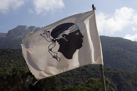 Origine du drapeau corse