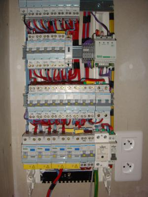 Pose du tableau lectrique construction de notre maison - Cablage coffret electrique maison ...
