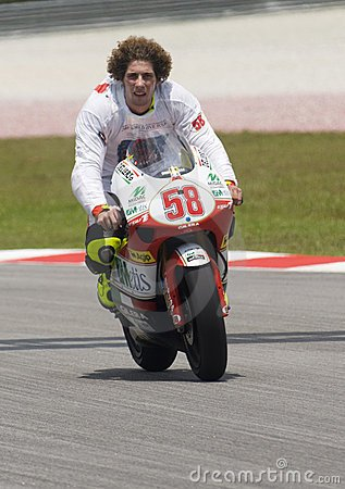 Hommage a Marco Simmoncelli (58) pilote Italien en Moto GP